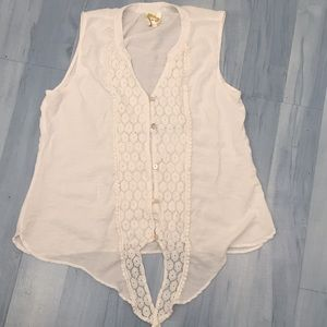 Fig & Flower White Button Sleeveless Lace Top Sz M